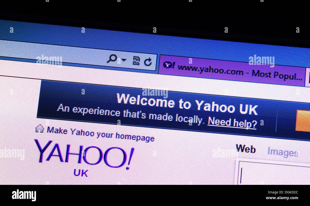 Yahoo UK web site - Stock Image