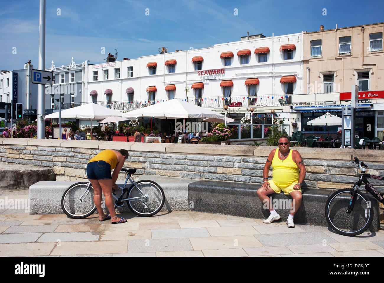 Weston Super Mare promenade and bars. - Stock Image