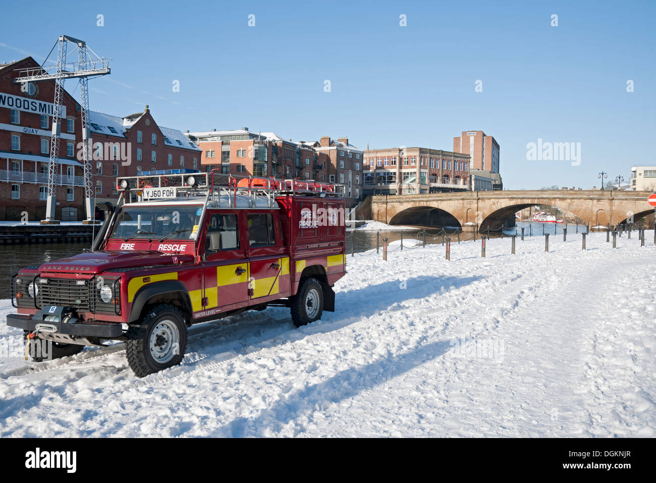 North Yorkshire Fire and Rescue Land Rover parked in the snow. - Stock Image
