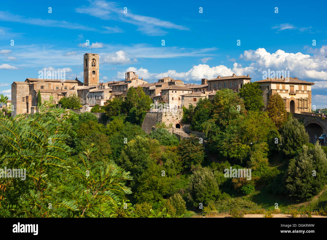 A view towards Colle di Val d'Elsa. - Stock Image