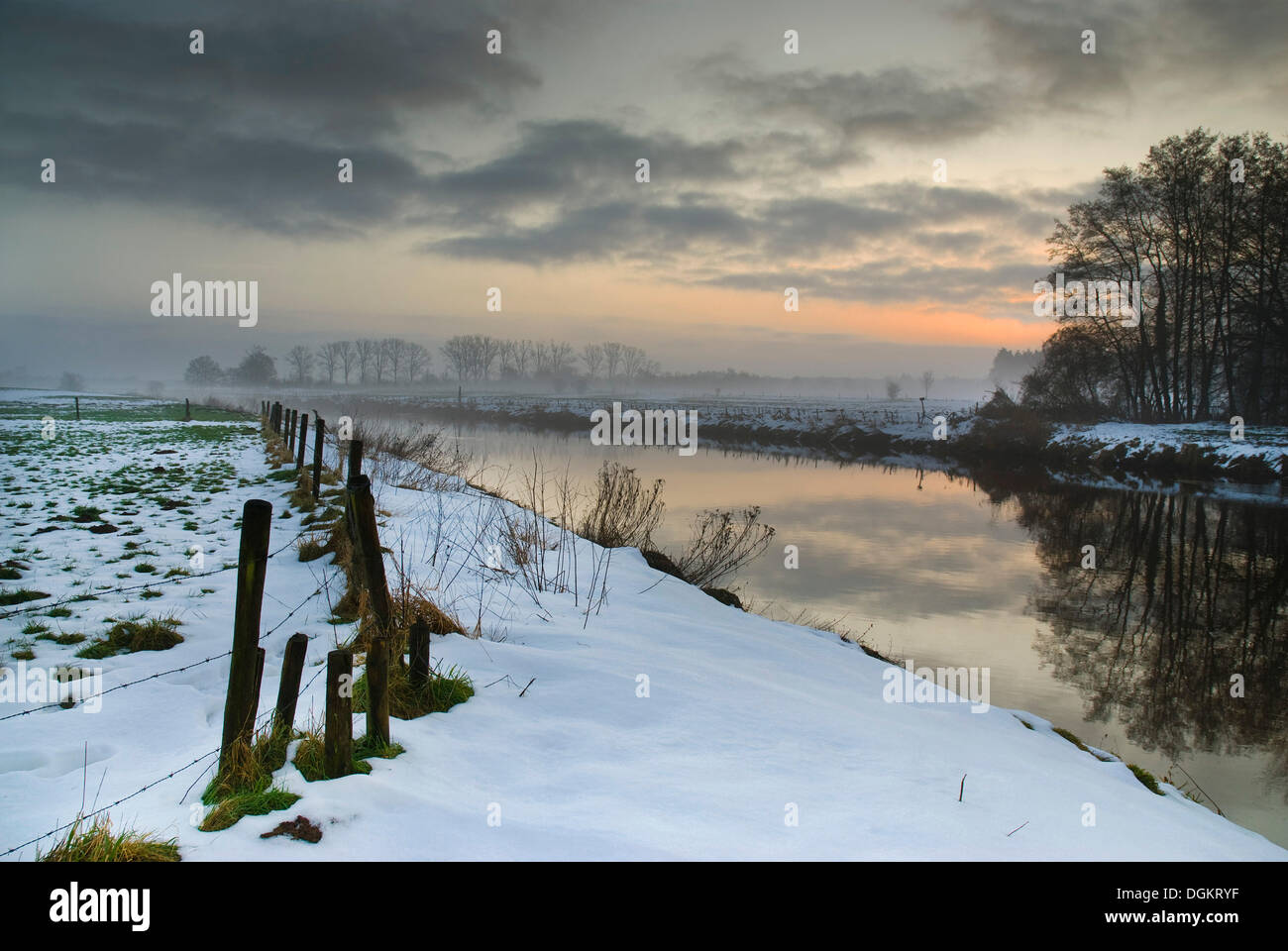 Morning mood in winter on the banks of the Vecht River, Ommen, Holland, Netherlands, Europe - Stock Image