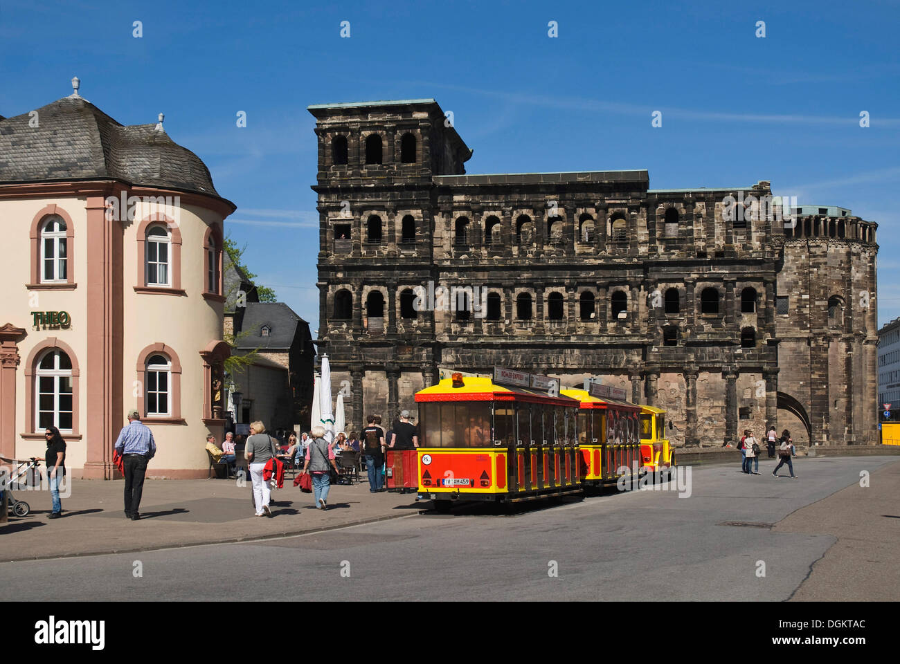 Porta Nigra, landmark of Trier, UNESCO World Heritage Site, Roemer Express tourist train at front, Trier, Rhineland-Palatinate - Stock Image