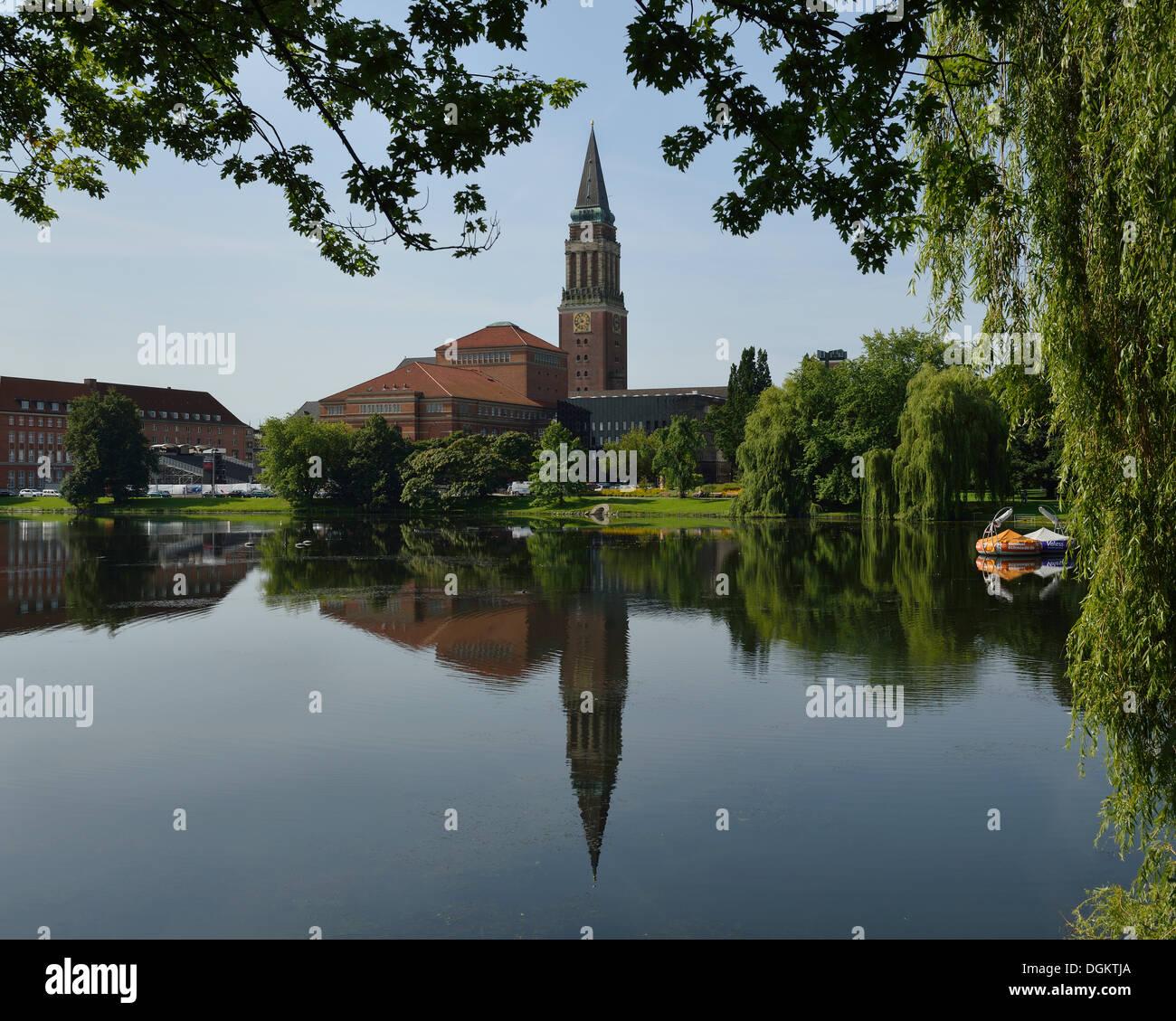 Kleiner Kiel lake in front of Kiel City Hall behind the landmark City Hall Tower, Kiel, Schleswig-Holstein, PublicGround - Stock Image