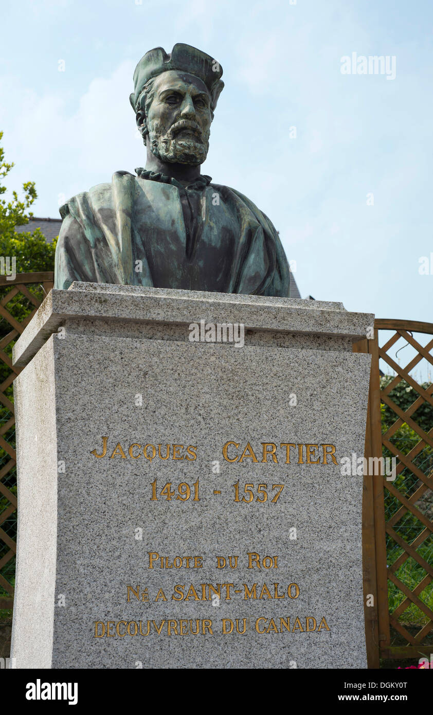 Monument to the seafarer and explorer Jacques Cartier at his birthplace, Rothéneuf, Brittany, France, Europe - Stock Image