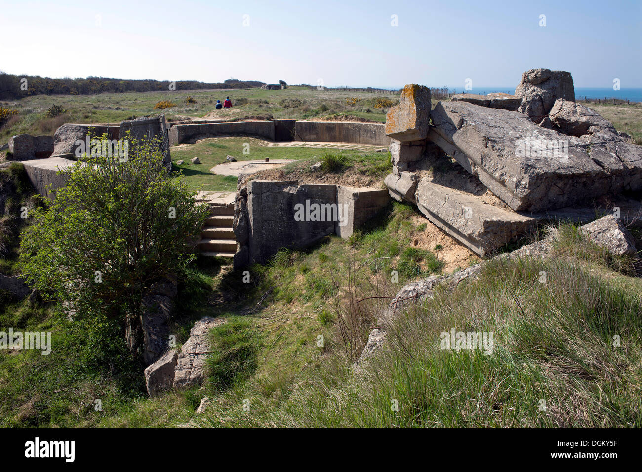 Destroyed bunker at the Pointe du Hoc memorial, Omaha Beach, Lower Normandy, France, Europe - Stock Image