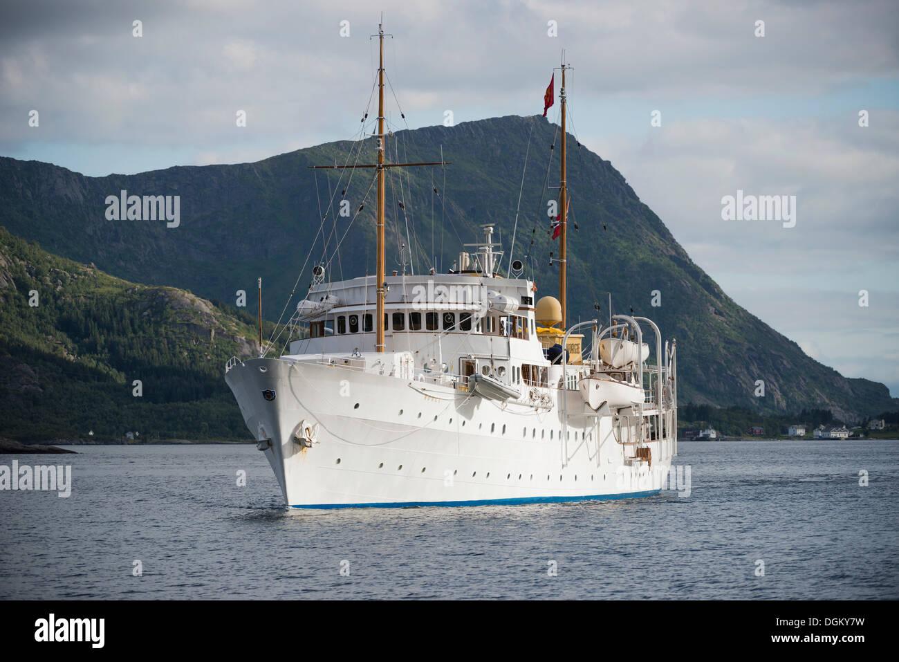 Royal yacht 'Norge' in Vestfjord, Vestfjord, Inselgruppe Lofoten, Nordland, Northern Norway, Norway - Stock Image