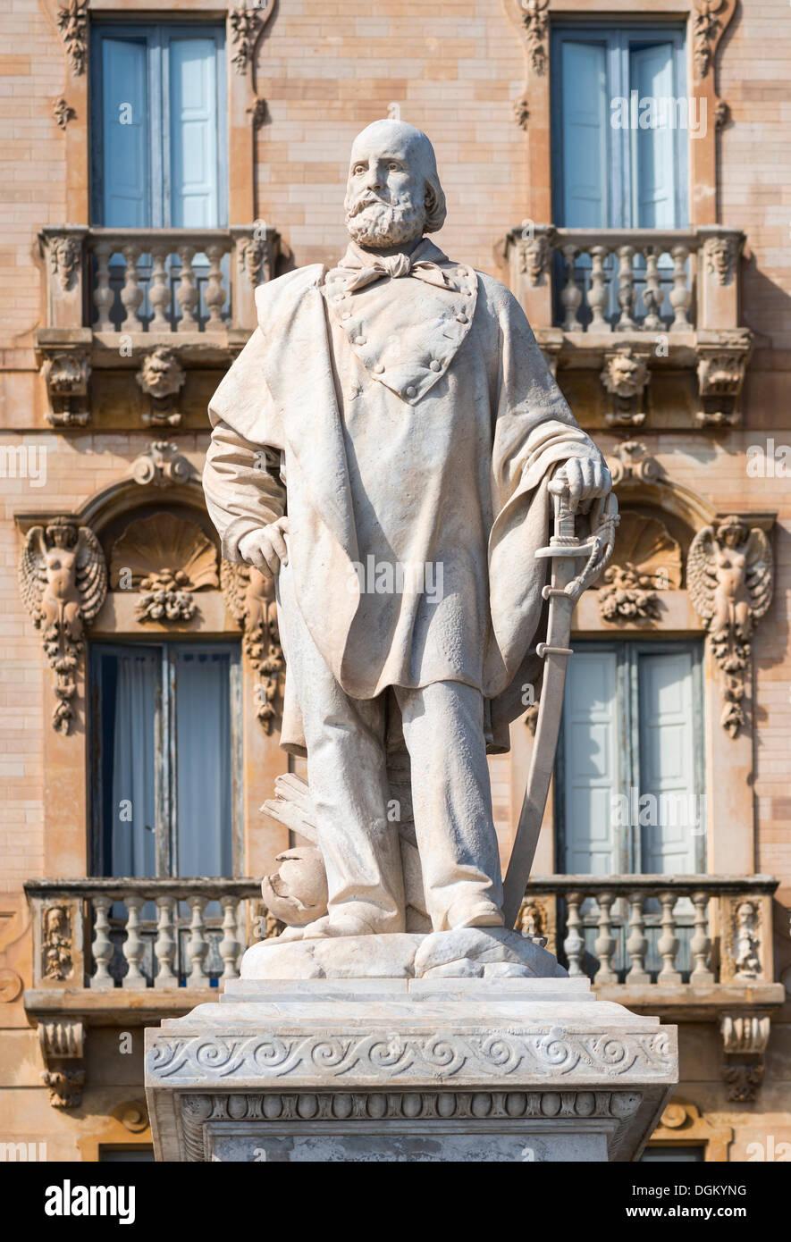 Monument to Giuseppe Garibaldi, Viale Regina Elena, Trapani, Trapani, Province of Trapani, Sicily, Italy - Stock Image