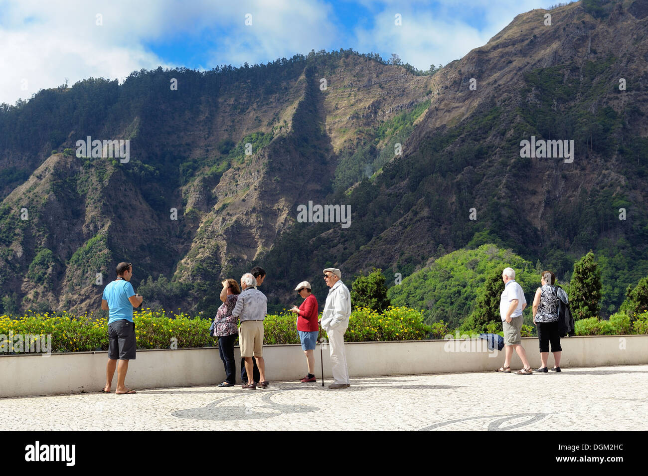 Curral das Freiras Madeira. Tourists viewing the mountain scenery also known as Nuns valley - Stock Image