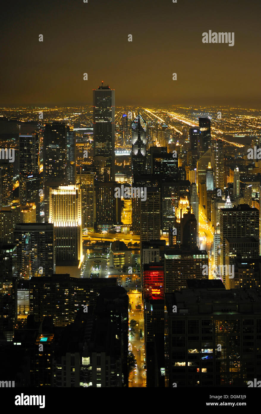 Night shot, Trump Tower, Wrigley Building, Aon Center, Two Prudential Plaza, Chicago, Illinois, United States of America, USA - Stock Image