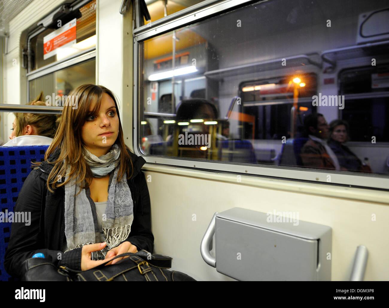 Blue teen girl travel europe henstridge nue sexe