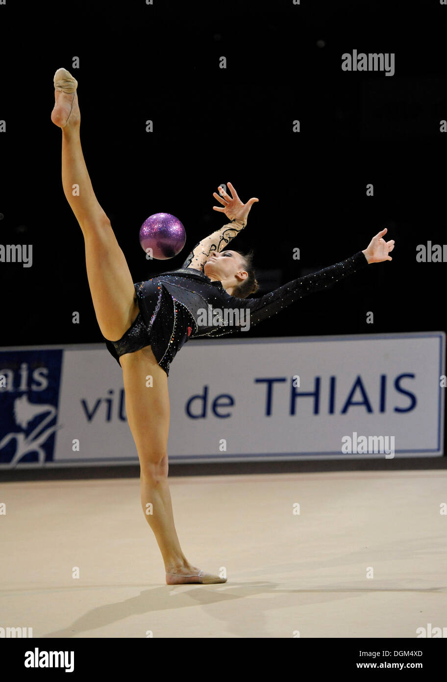 Delphine LEDOUX, FRA, with ball, rhythmic gymnastics, Grand Prix Thiais, 09. - 10.04.2011, Paris, France, Europe - Stock Image