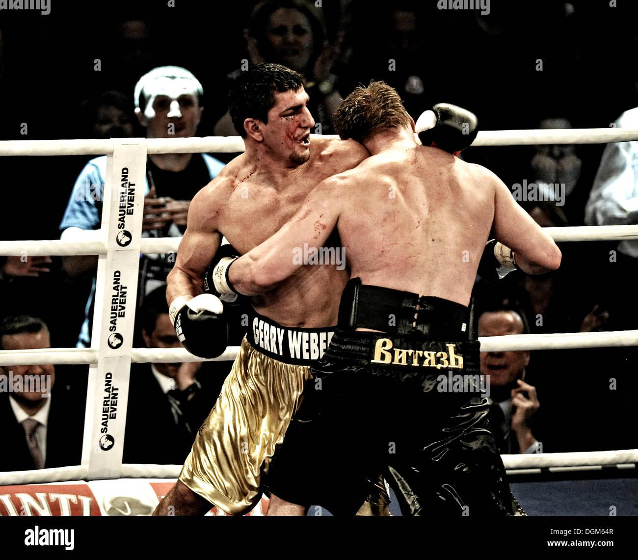 Boxing evening, heavyweight, The Battle of Stuttgart, Marco Huck, GER, vs. Alexander Vladimirovich Povetkin, RUS, Porsche Arena - Stock Image