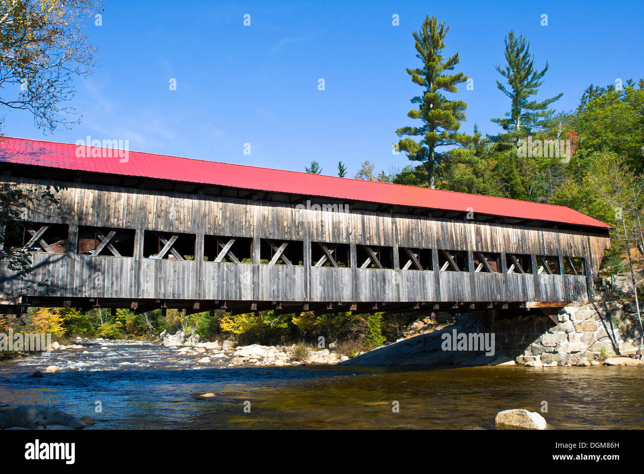 Albany Bridge, a covered wooden bridge on the Swift River, New Hampshire, New England, USA - Stock Image