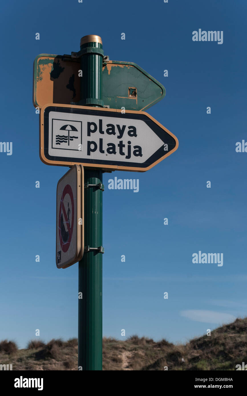 indication placard to the beach. El Saler, valencia, Spain. - Stock Image