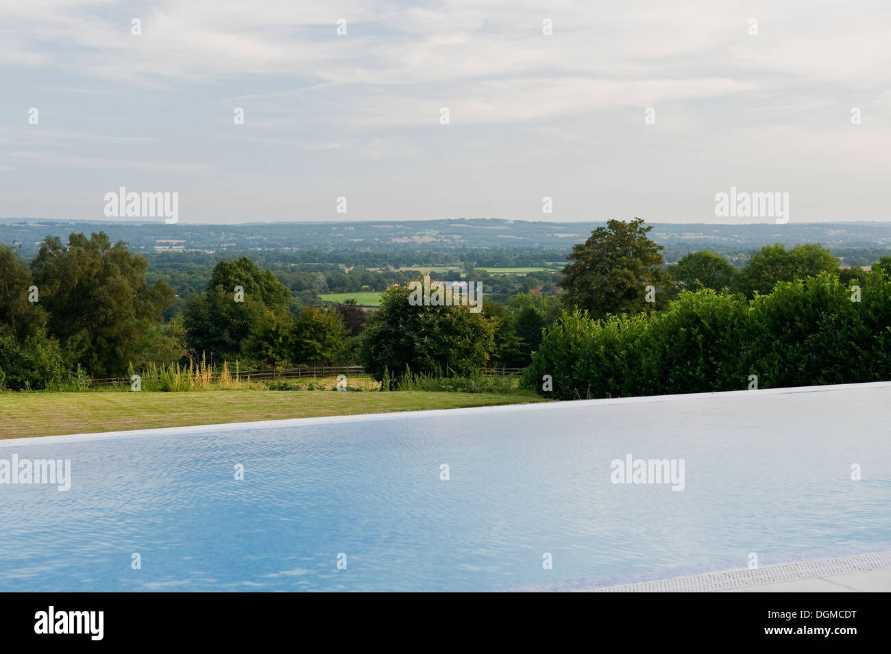 Infinity pool in British countryside - Stock Image