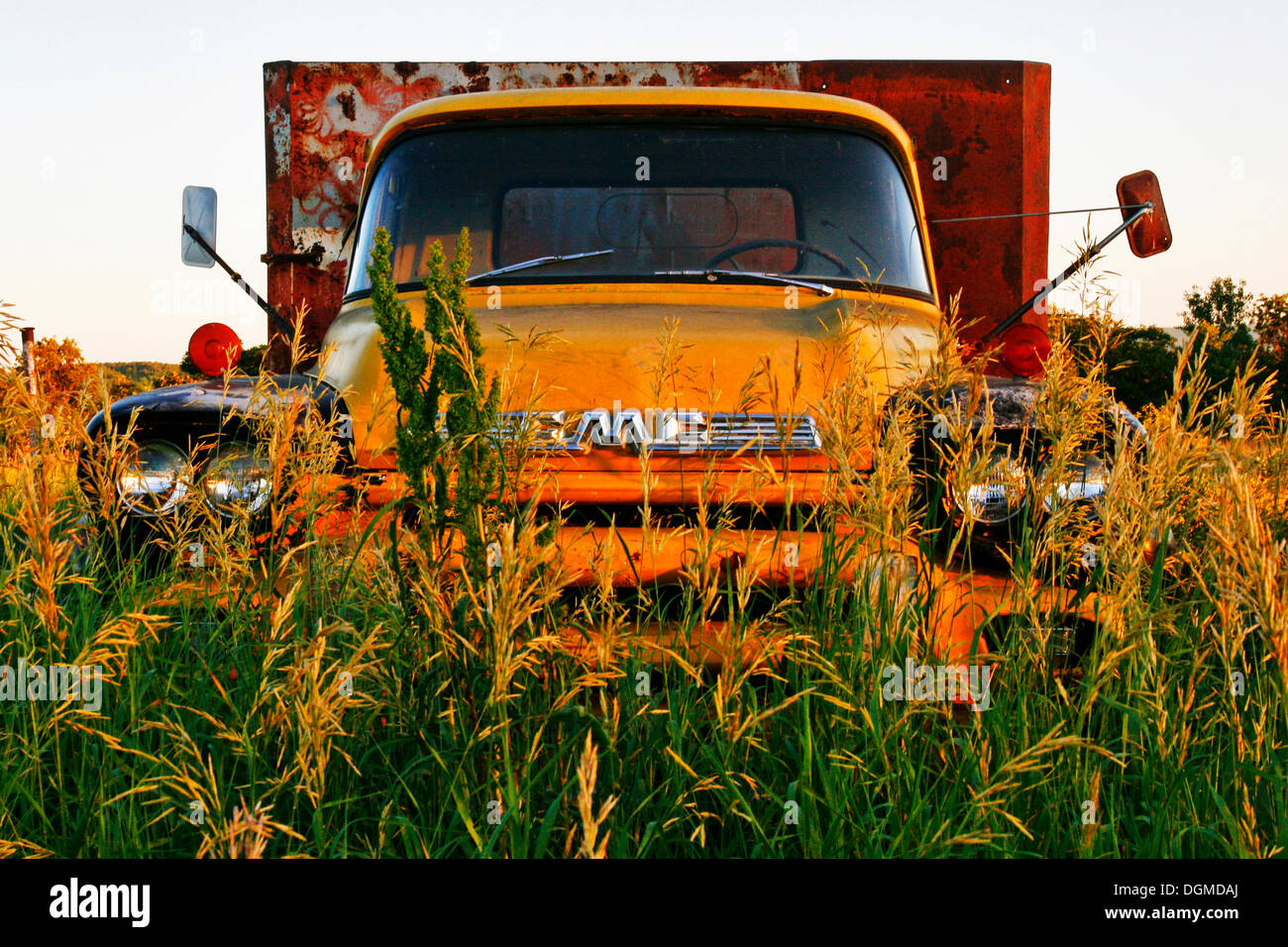 An old rusty unused truck by General Motors Canada, Manitoba, Canada - Stock Image