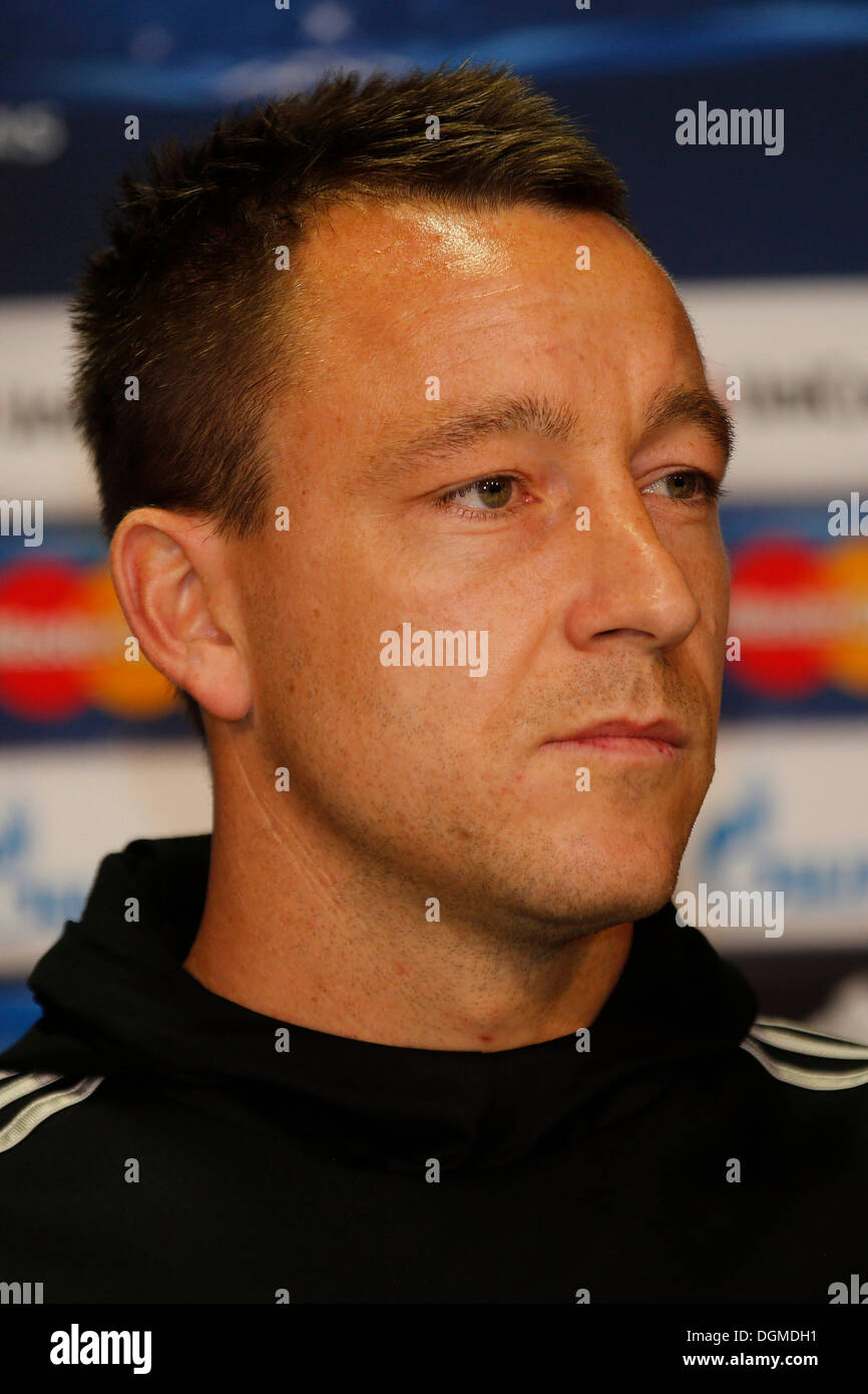 Dusseldorf, Germany. 21st Oct, 2013.  UEFA Champions League UEFA Pre-Match press conference Chelsea FC in conference centre  in Flughafen in Dusseldorf  am 21.10. 2013 Chelsea Spieler John TERRY (CFC)  © norbert schmidt/Alamy Live News - Stock Image