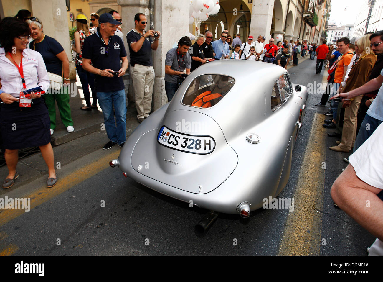 BMW 328 Mille Miglia Coupe replica, vintage cars from the BMW museum ...