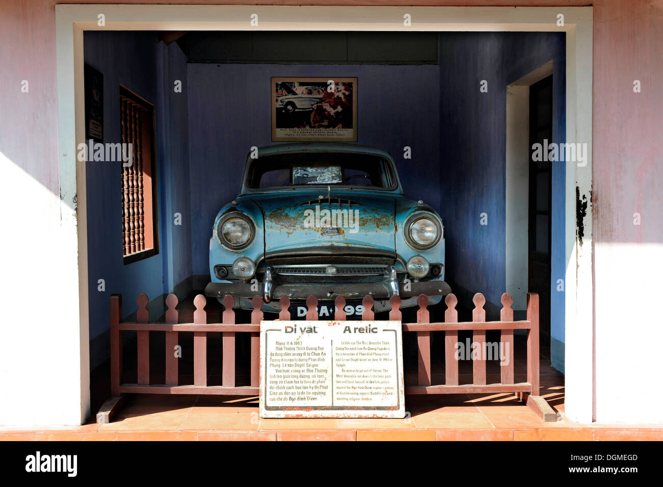 The Austin car which took the Buddhist monk Thich Quang Duc to Saigon in order to burn himself to death as a protest against the - Stock Image