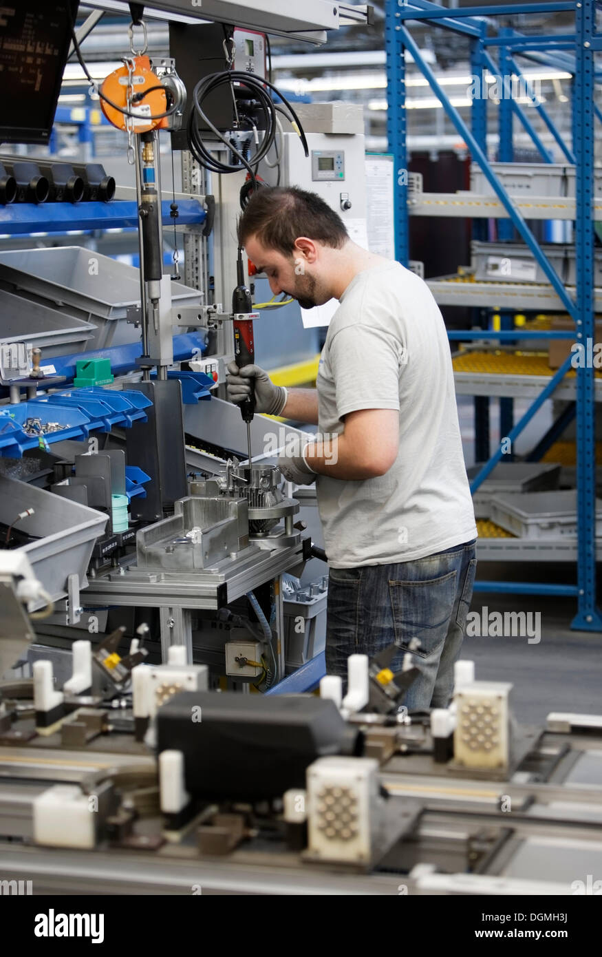 Production of vehicle pre-heaters at J. Eberspaecher GmbH & Co. KG, Esslingen, Baden-Wuerttemberg - Stock Image