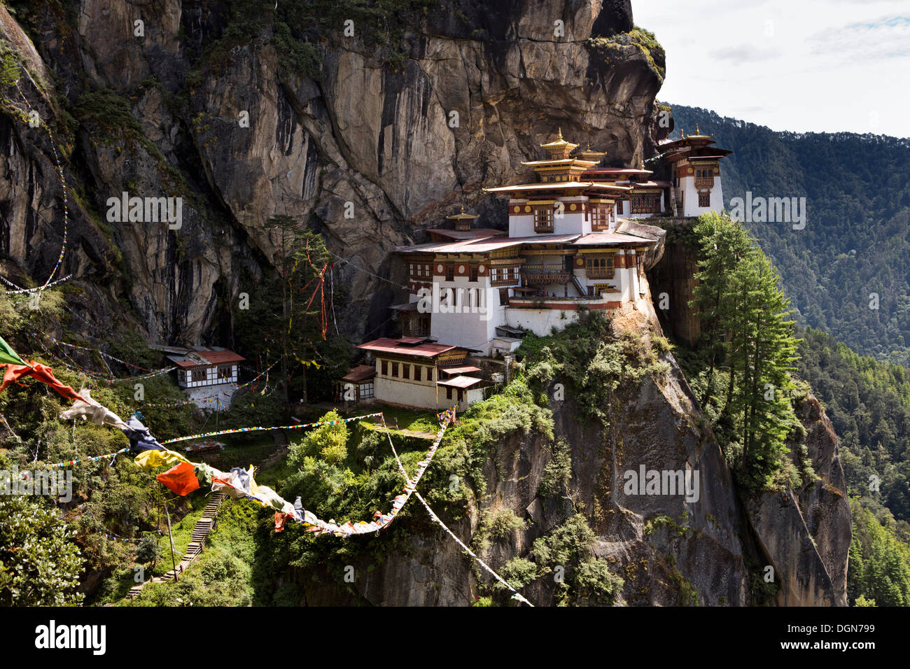 Bhutan, Paro valley, Taktsang Lhakang (Tiger's Nest) monastery clinging to cliffside - Stock Image