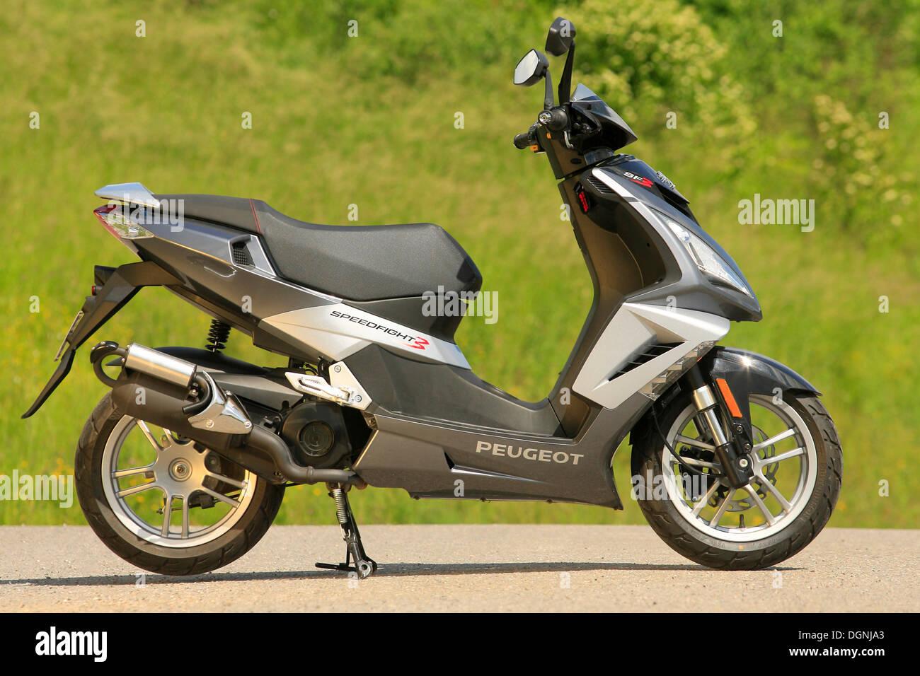Peugeot Speedfight 3 scooter - Stock Image