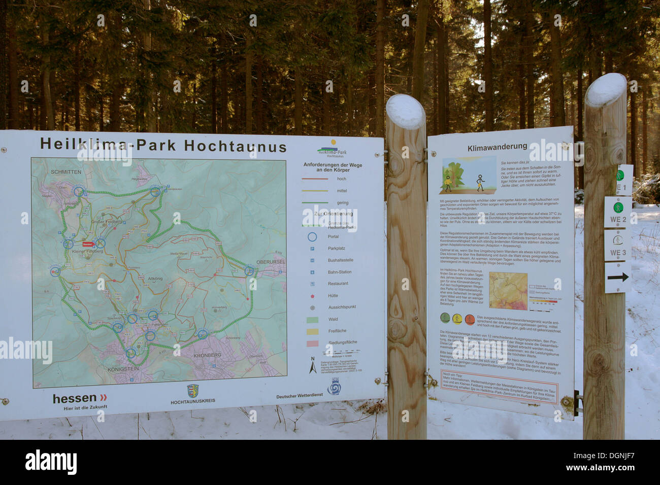 Information board, Heilklimapark, healing climate park and climate hike route in Hochtaunus in winter, Kleiner Feldberg - Stock Image