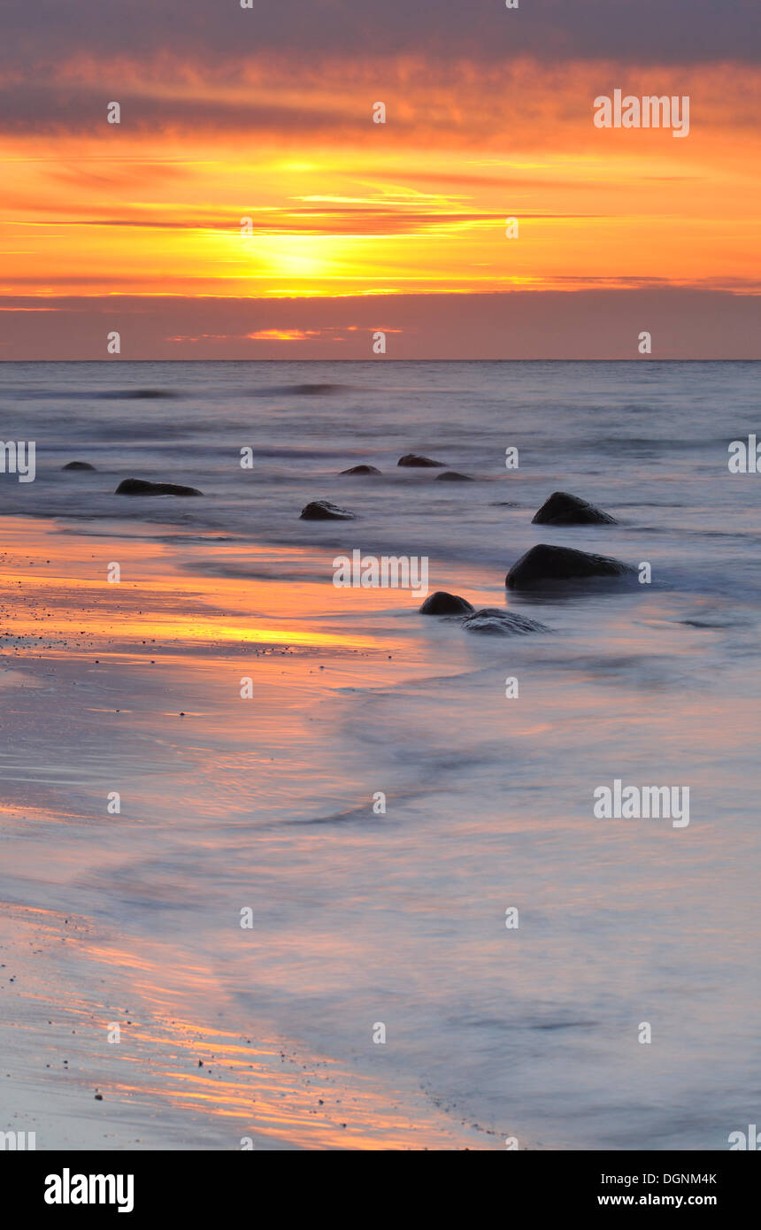 Sunset on a Baltic Sea beach, Ruegen, Mecklenburg-Western PomeraniaNON EXCLUSIVE USAGE FOR CALENDAR, 2015, TERRITORY: D, A, CH - Stock Image
