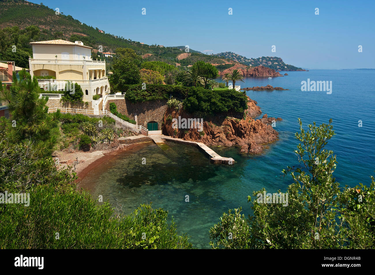 House and beach in a small calanque bay saint rapha l for Riviera house