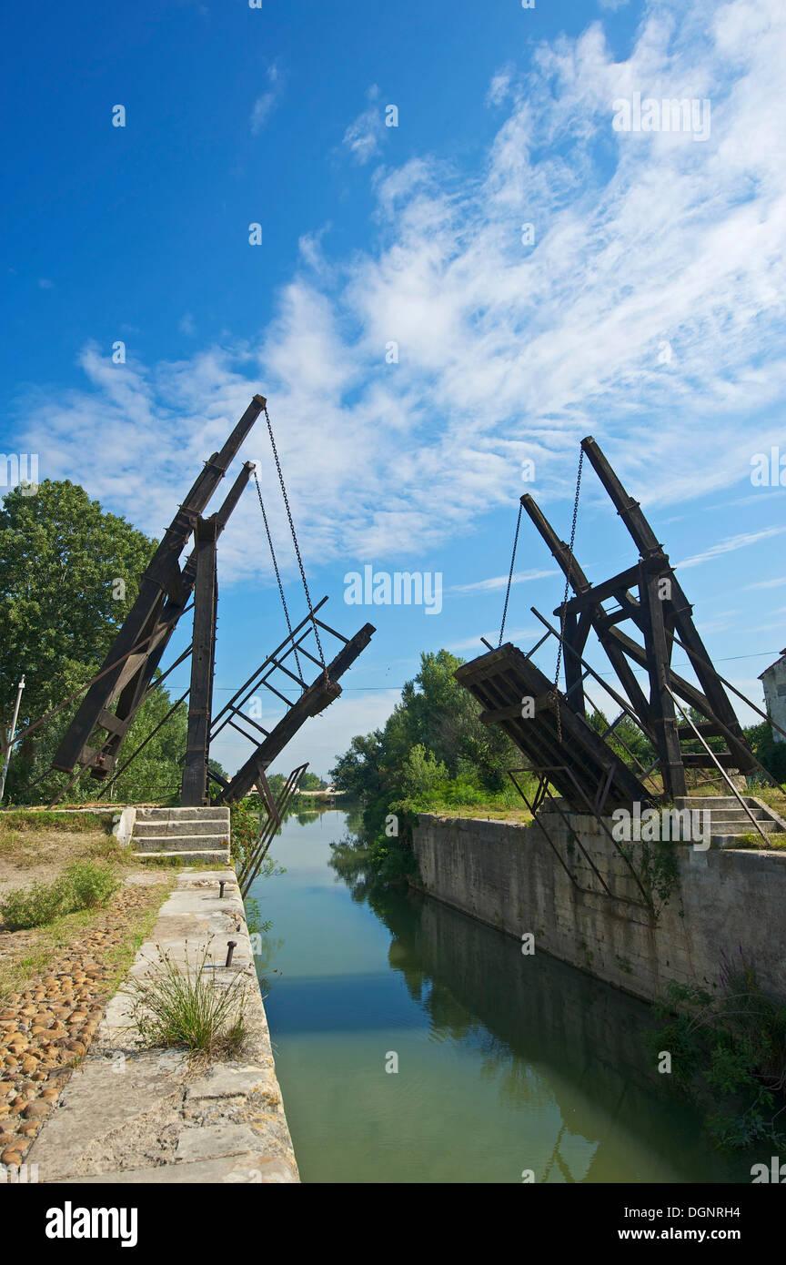 Pont Van Gogh, Pont de Langlois, Langlois Bridge at Arles, drawbridge, Arles, Département Bouches-du-Rhône, Region - Stock Image