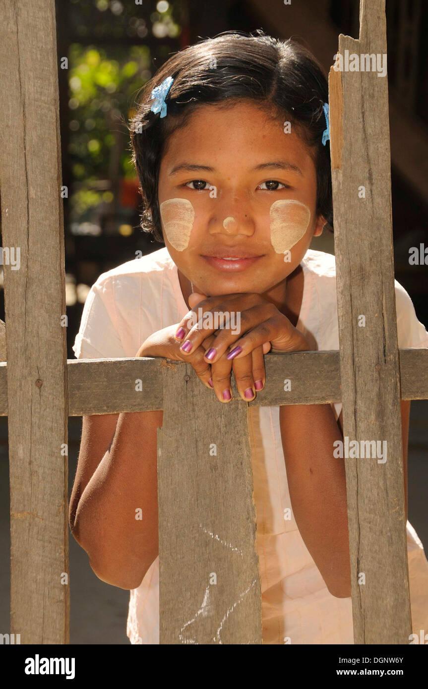 young-burmese-nudes