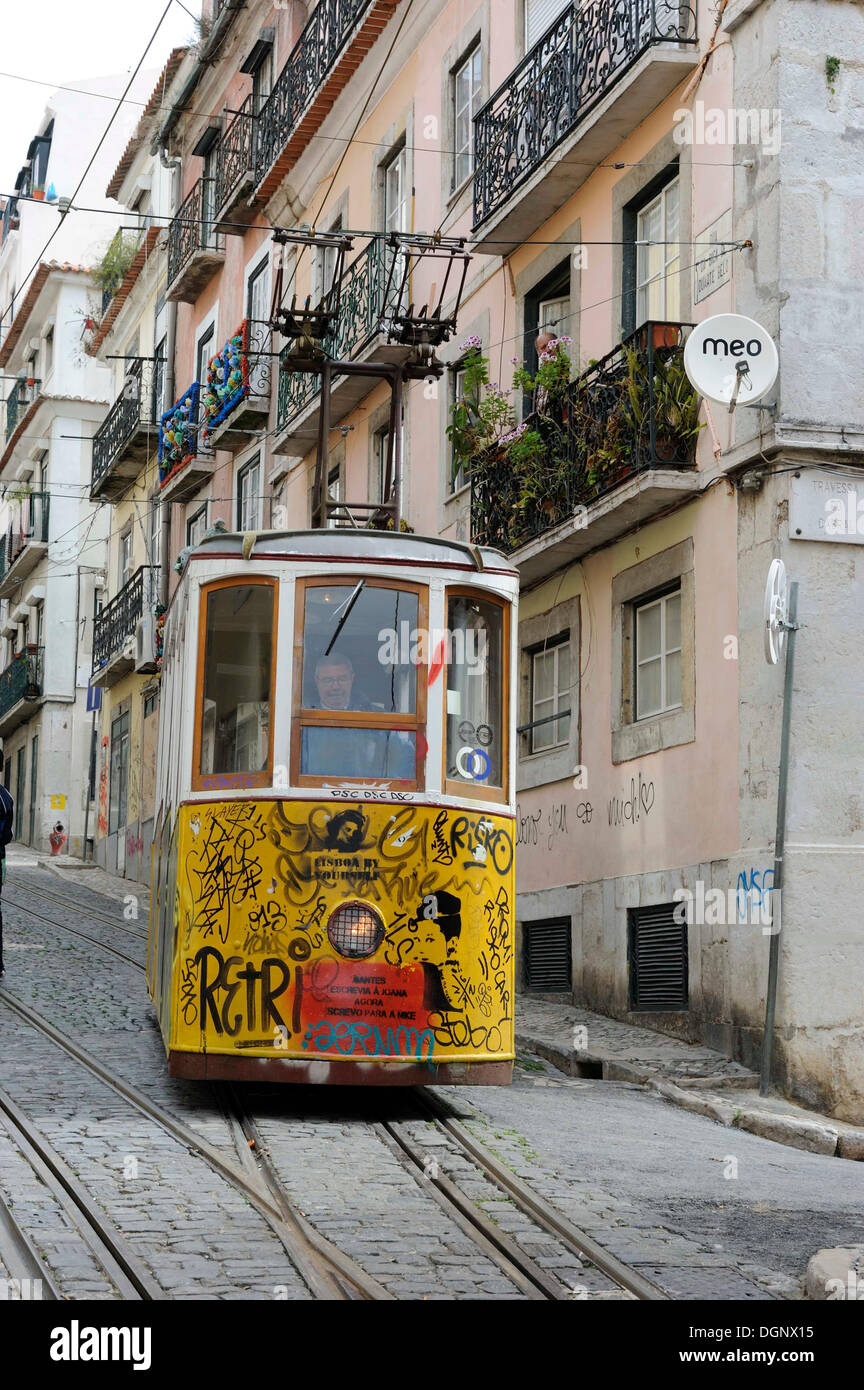 old lisbon cable car stock photos old lisbon cable car stock images alamy. Black Bedroom Furniture Sets. Home Design Ideas