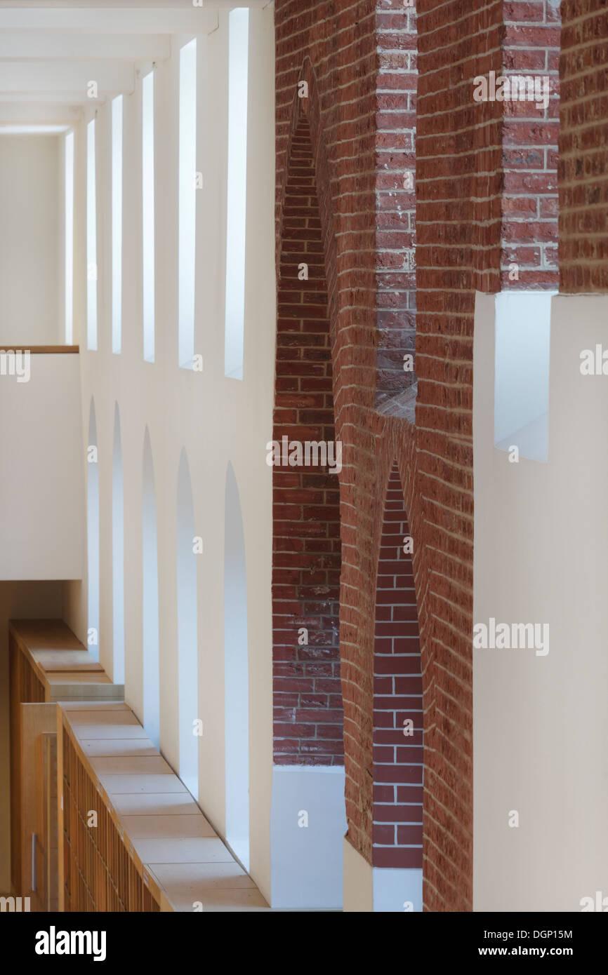 Catholic University of Leuven Arenberg Library, Leuven, Belgium. Architect: Rafael Moneo, 2002. Detail of main reading room with - Stock Image