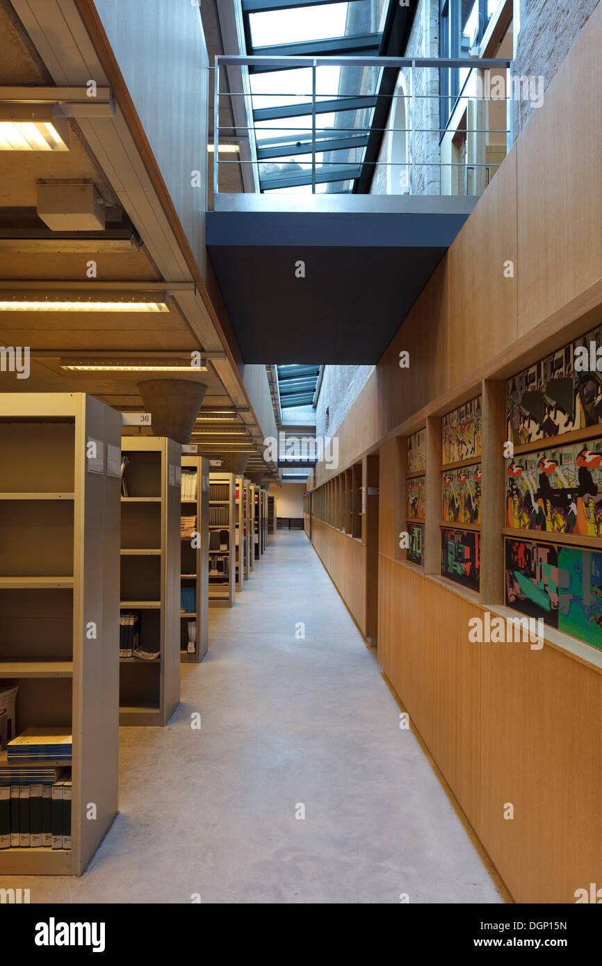 Catholic University of Leuven Arenberg Library, Leuven, Belgium. Architect: Rafael Moneo, 2002. Internal bridge between original - Stock Image