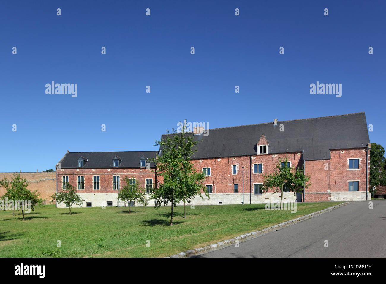 Catholic University of Leuven Arenberg Library, Leuven, Belgium. Architect: Rafael Moneo, 2002. Convent building seen from orcha - Stock Image