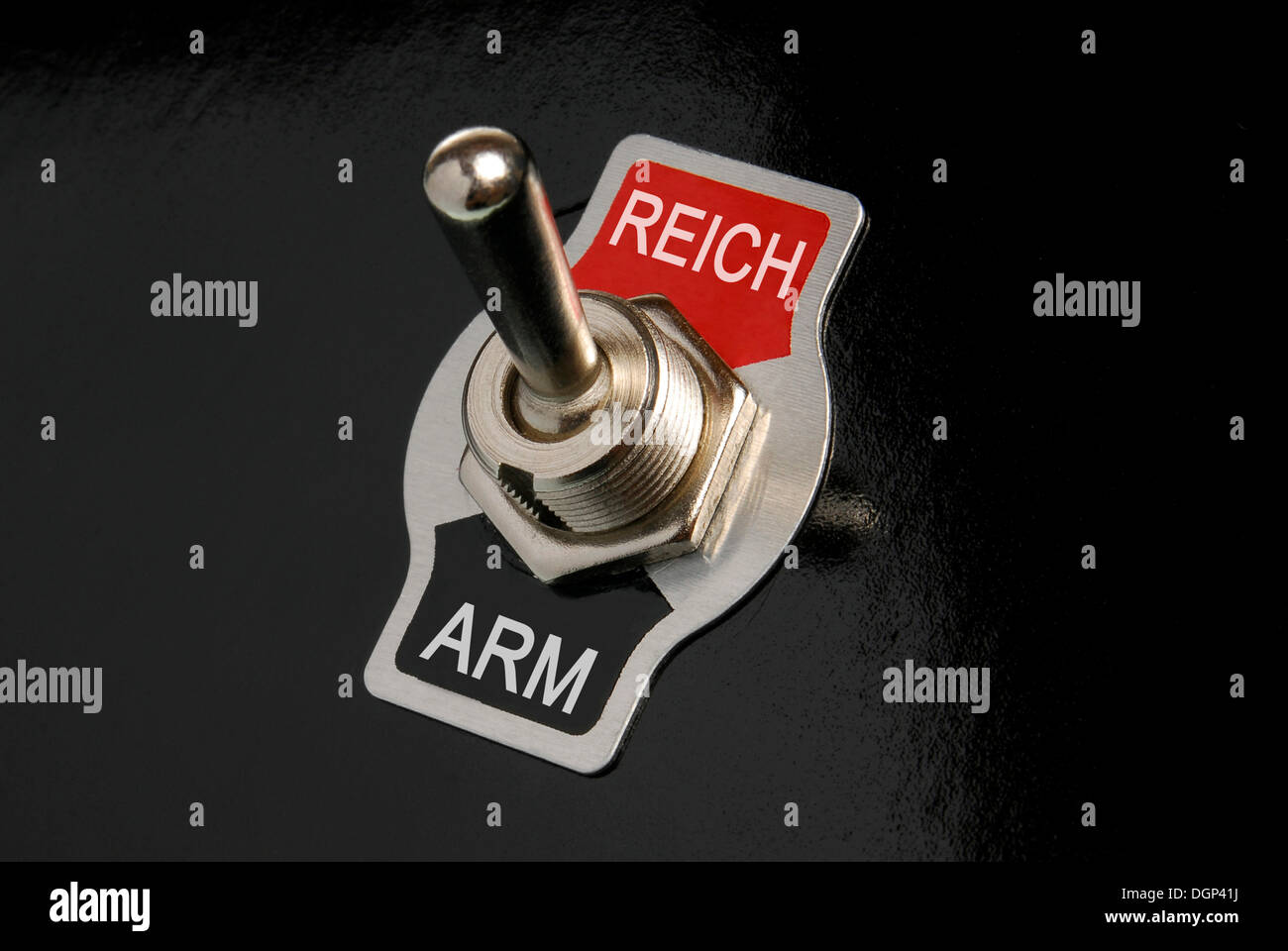 Toggle switch, labelled Reich and Arm, German for rich and poor, symbolic image - Stock Image