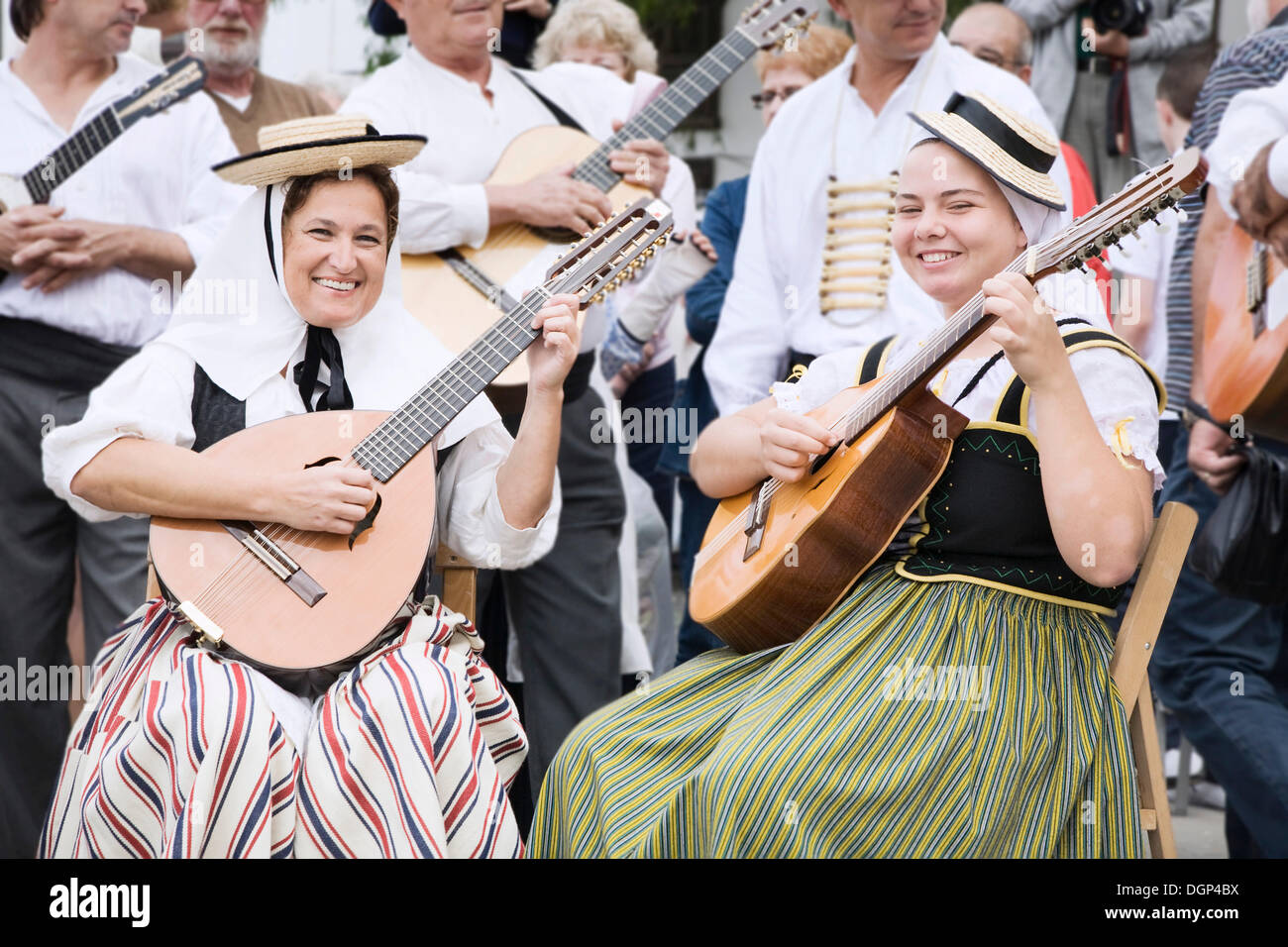 Traditional folk group at the market of Teguise, Lanzarote, Canary Islands, Spain, Europe - Stock Image