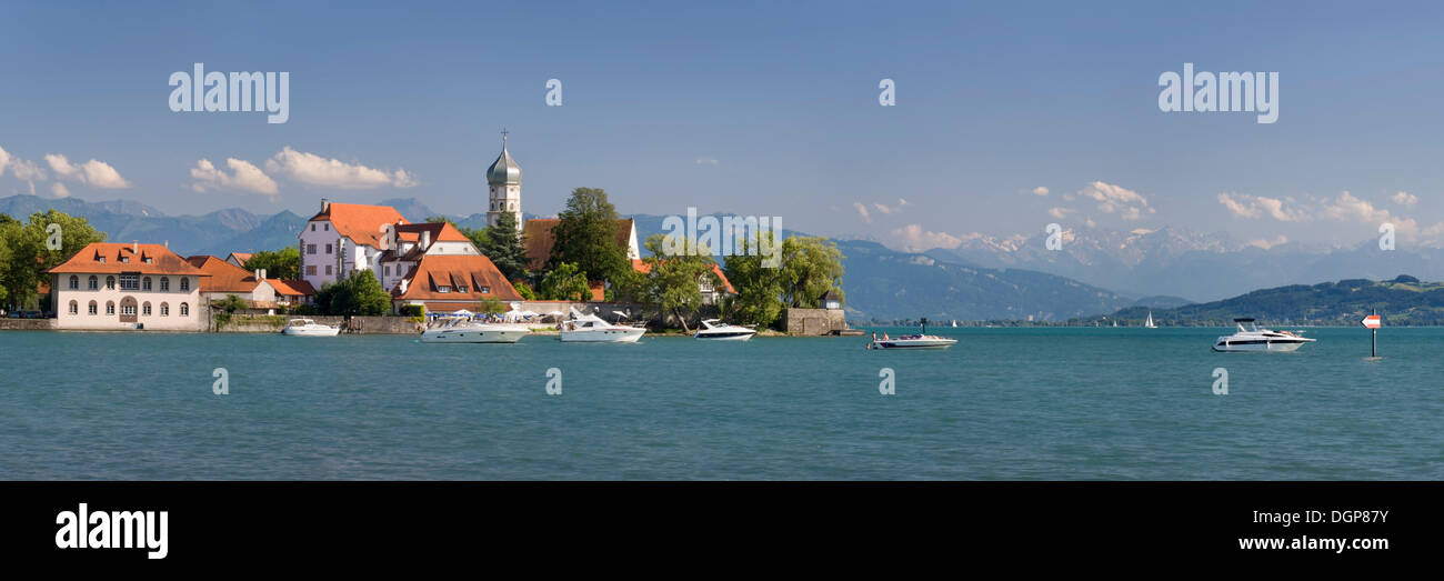 The peninsula of Wasserburg with the Church of St. George, Lake Constance, Bavaria - Stock Image