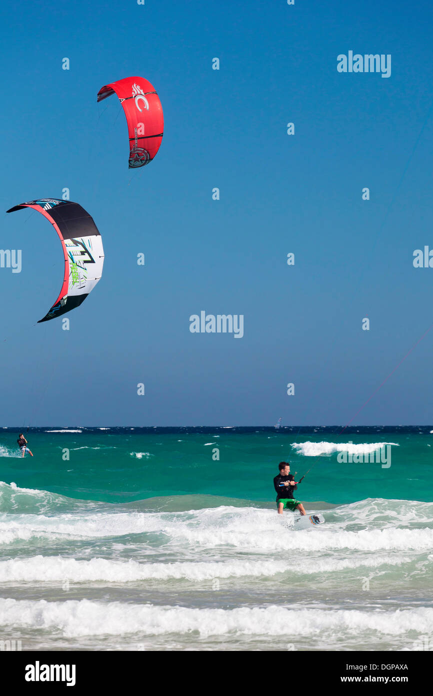 Kitesurfers, Risco del Paso, Fuerteventura, Canary Islands, Spain - Stock Image
