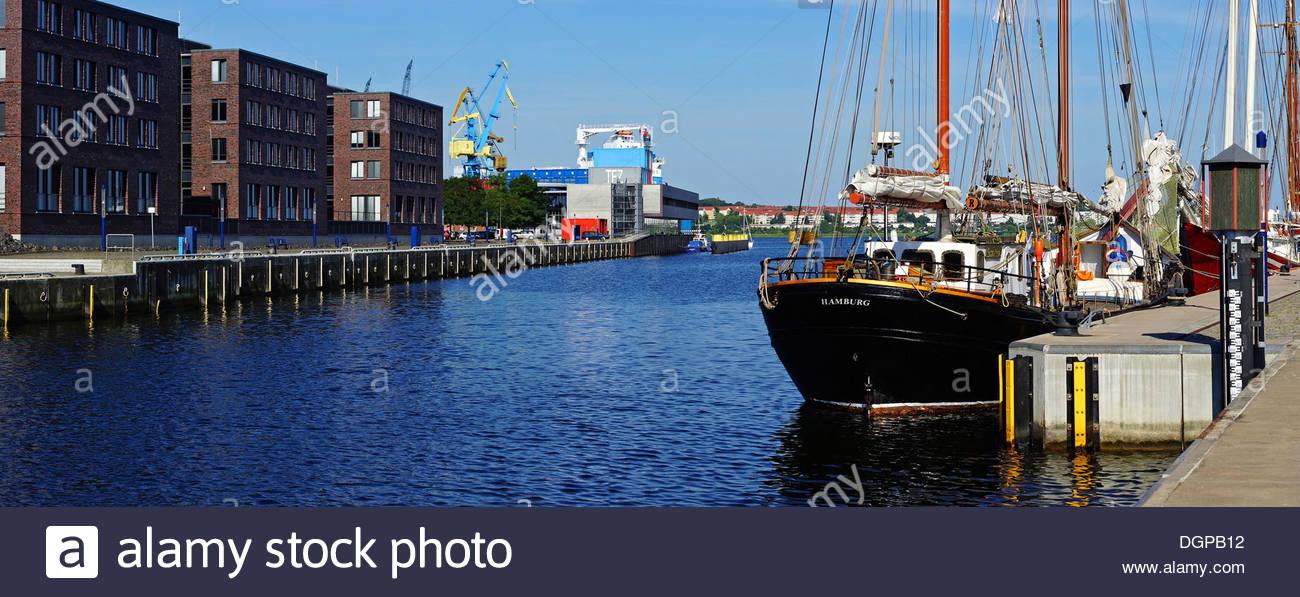 Germany, Mecklenburg Western Pomerania, View of Wismar harbour - Stock Image