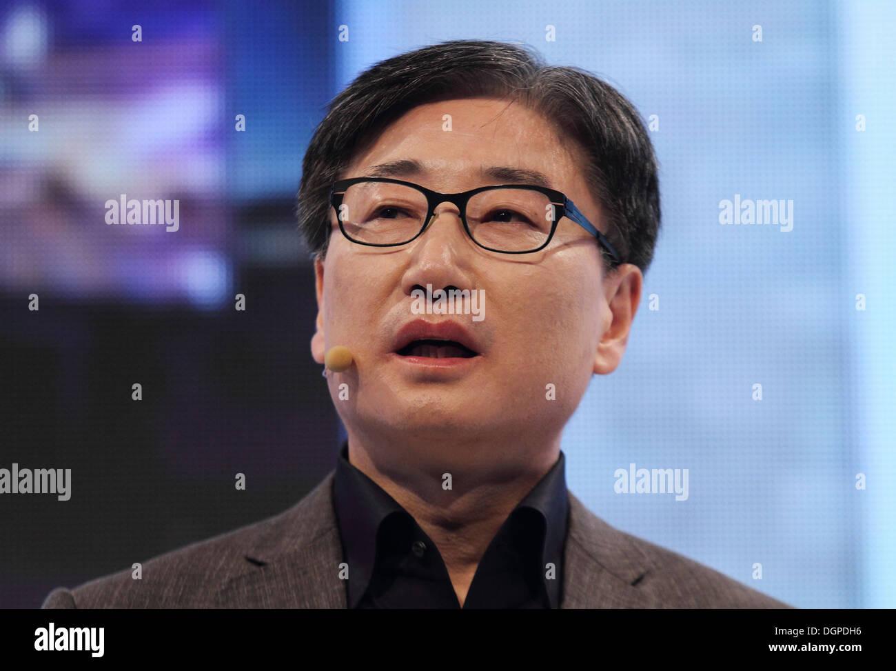 Berlin, Germany, Bk Yoon, Global President of Samsung