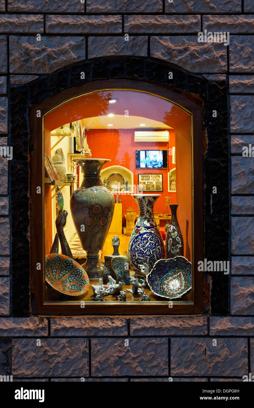 Porcelain Vases and cats in a shop window, Sultanahmet historic district, Istanbul, Turkey, Europe, PublicGround - Stock Image