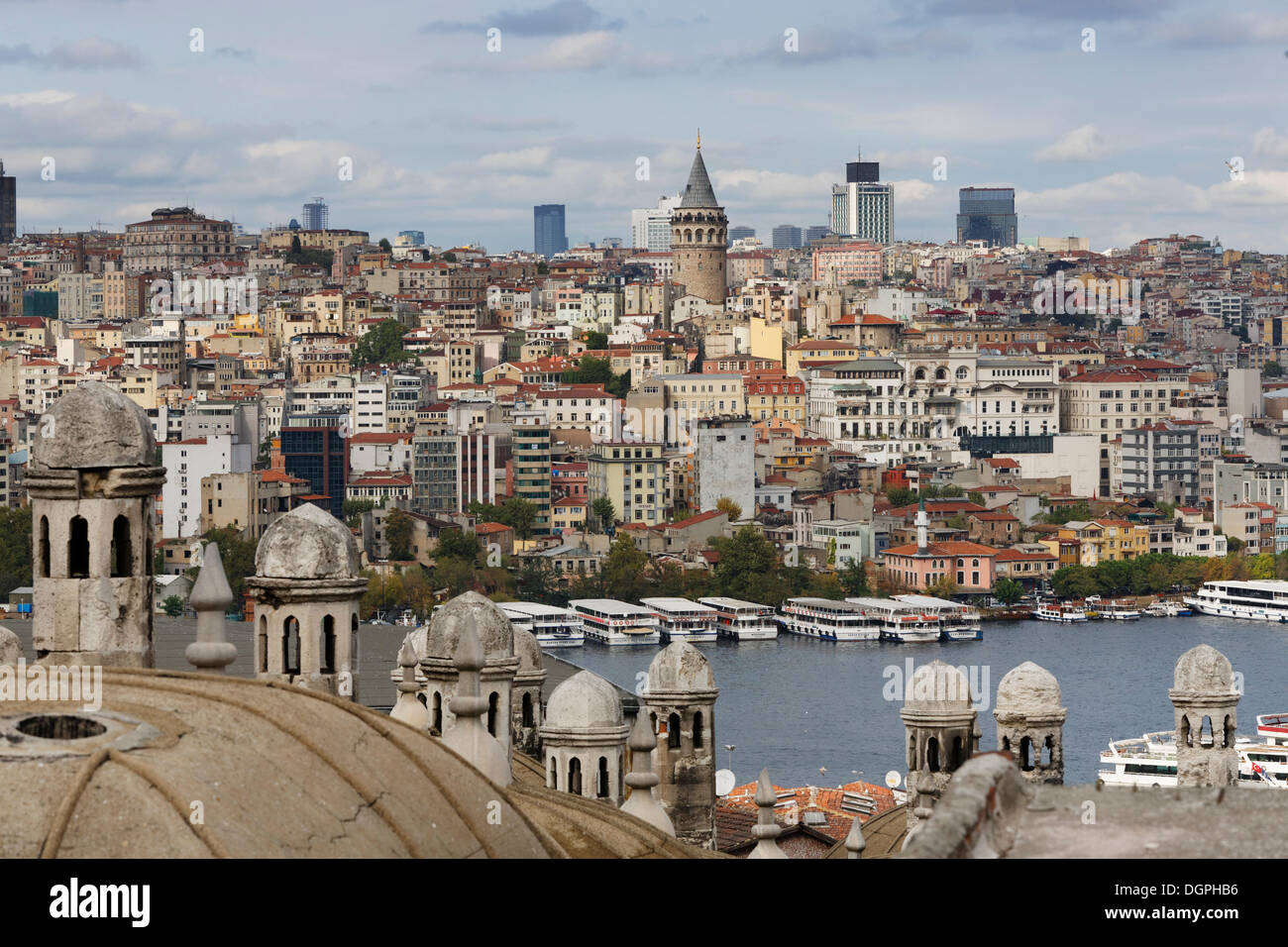 View from the Süleymaniye Mosque across the Golden Horn to Beyoğlu with the Galata Tower, Istanbul, European side - Stock Image