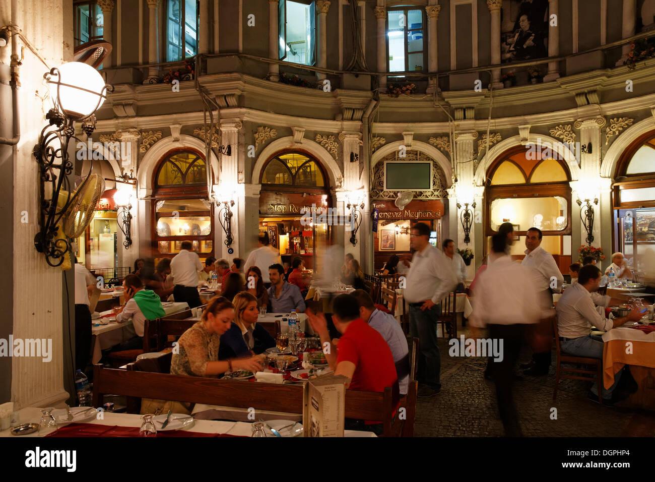 Restaurants In Istanbul Stock Photos & Restaurants In