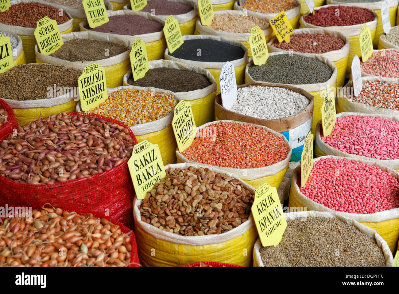 Various beans and corn in bags, Egyptian Bazaar, or Spice Bazaar, Misir Çarşısı, Eminönü, Istanbul, European side - Stock Image