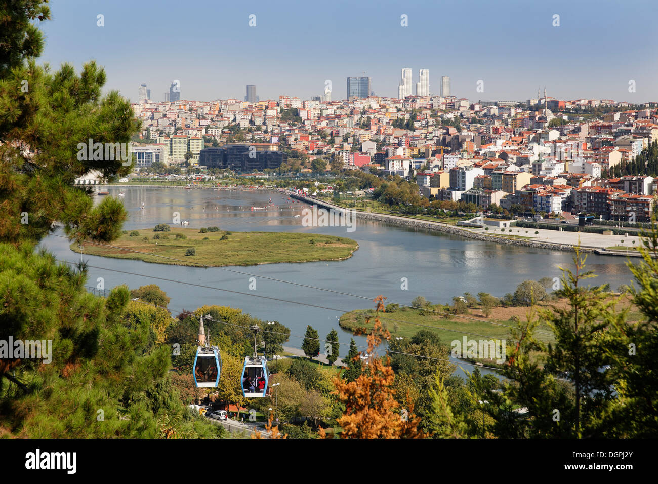 Cable car to Piyer Loti, view from Pierre Loti Hill across the Golden Horn to Sisli, Pierre-Loti-Hügel, Eyüp, Istanbul - Stock Image