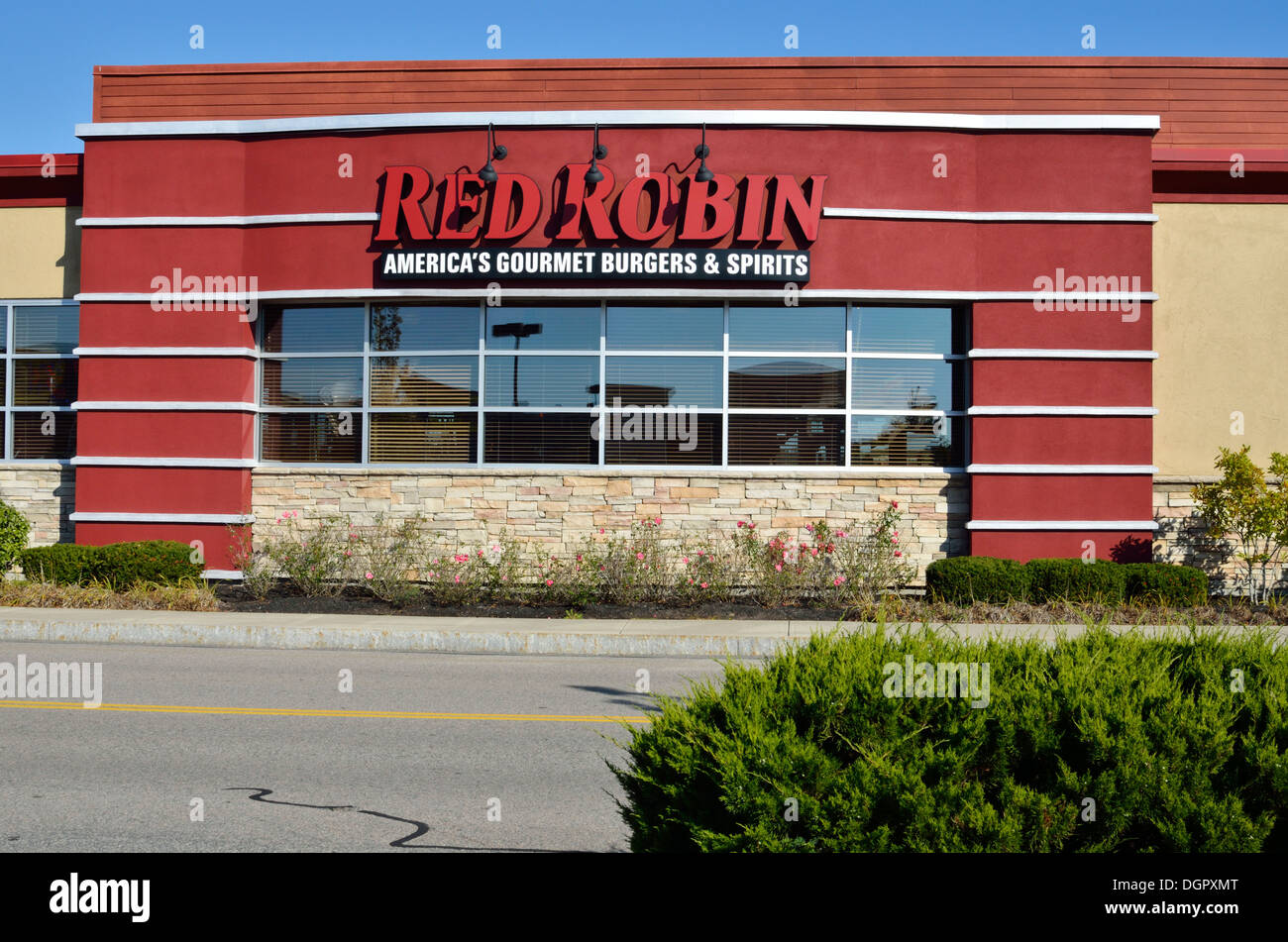 Exterior of Red Robin Restaurant with sign Plymouth, Massachusetts USAUSA - Stock Image