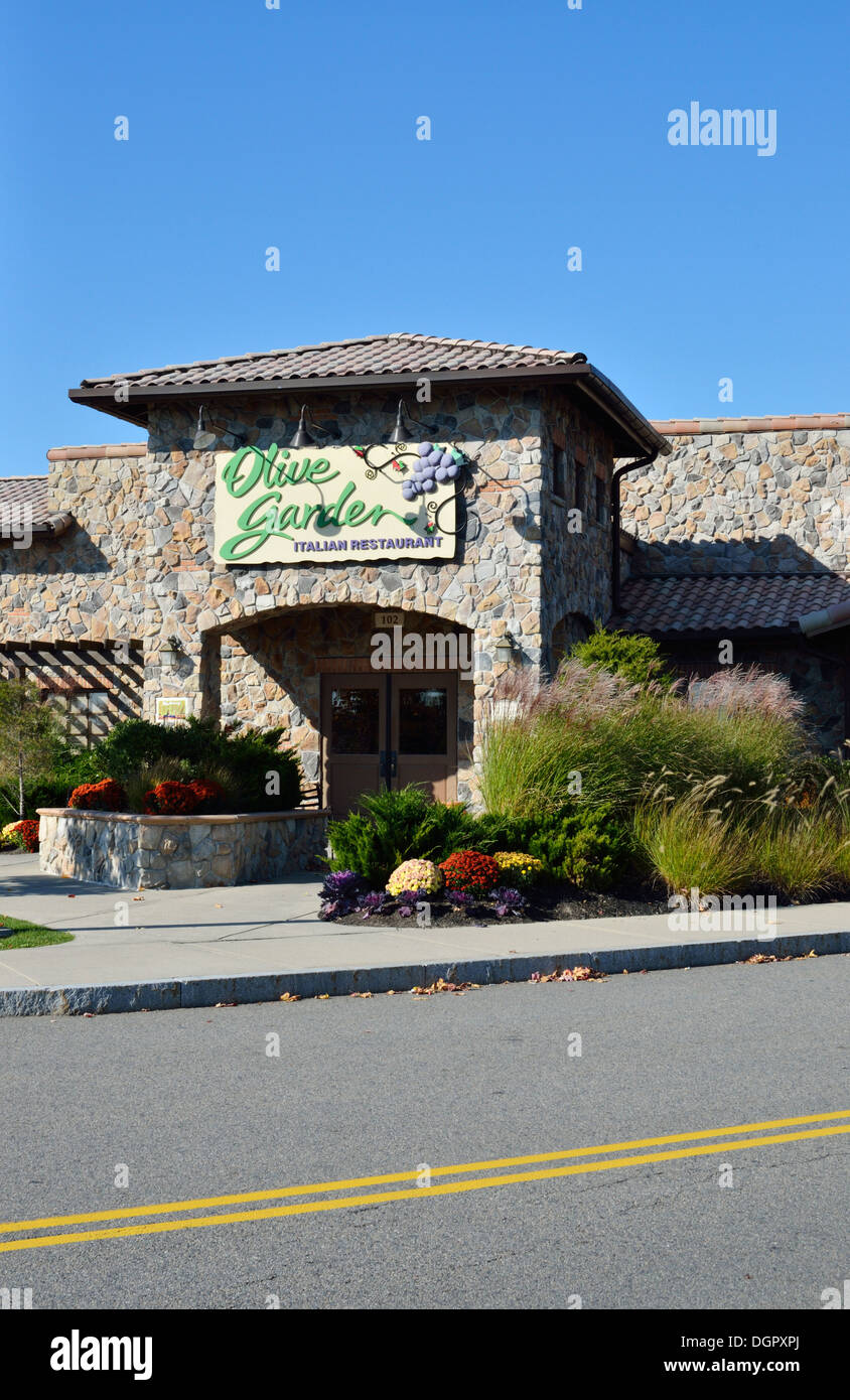Exterior Of Olive Garden Italian Restaurant Usa Stock Photo 61969562 Alamy