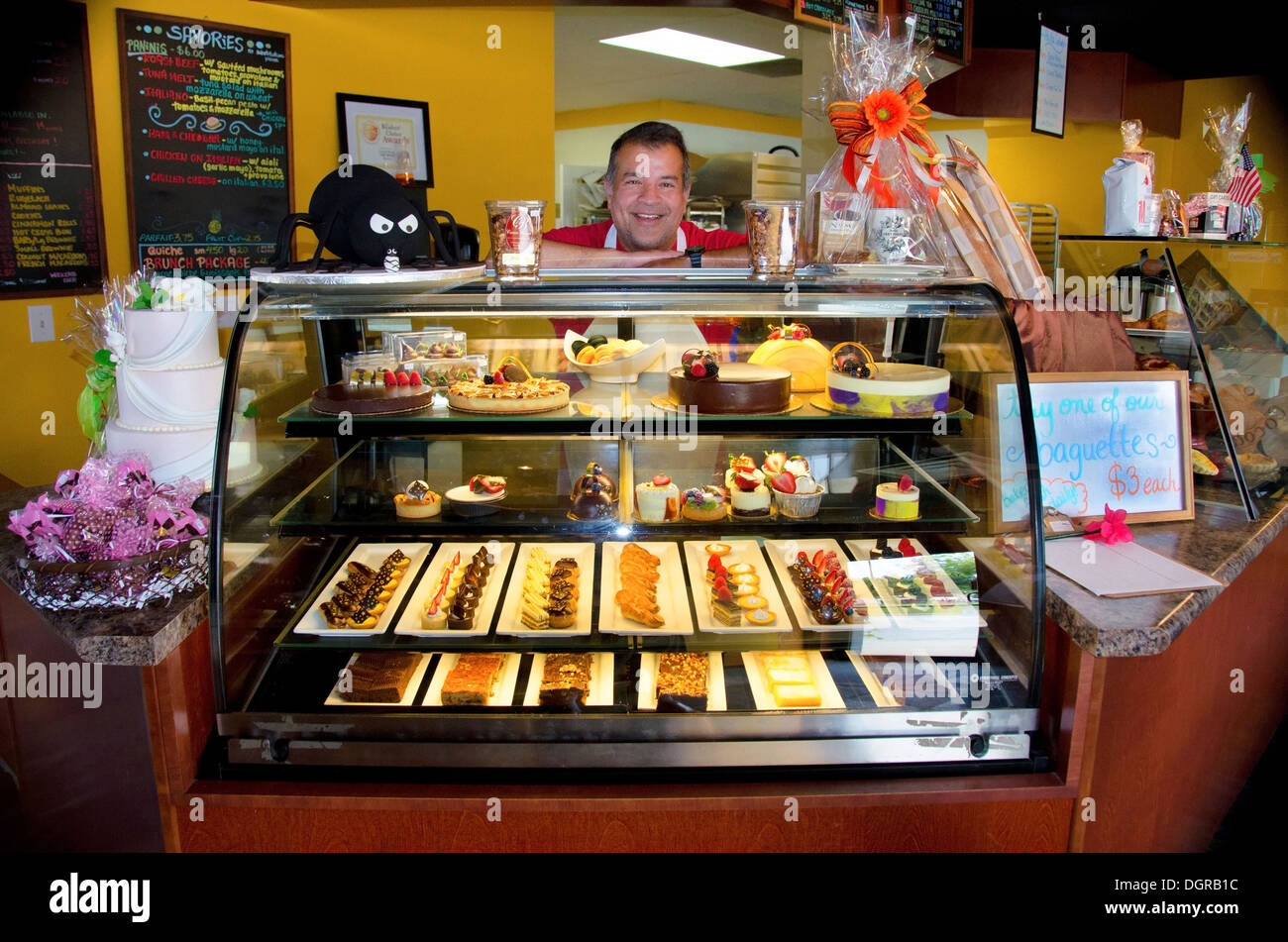 The Cocoa Bean is a popular bakery in Geneva, Illinois, a town along the Lincoln Highway. - Stock Image