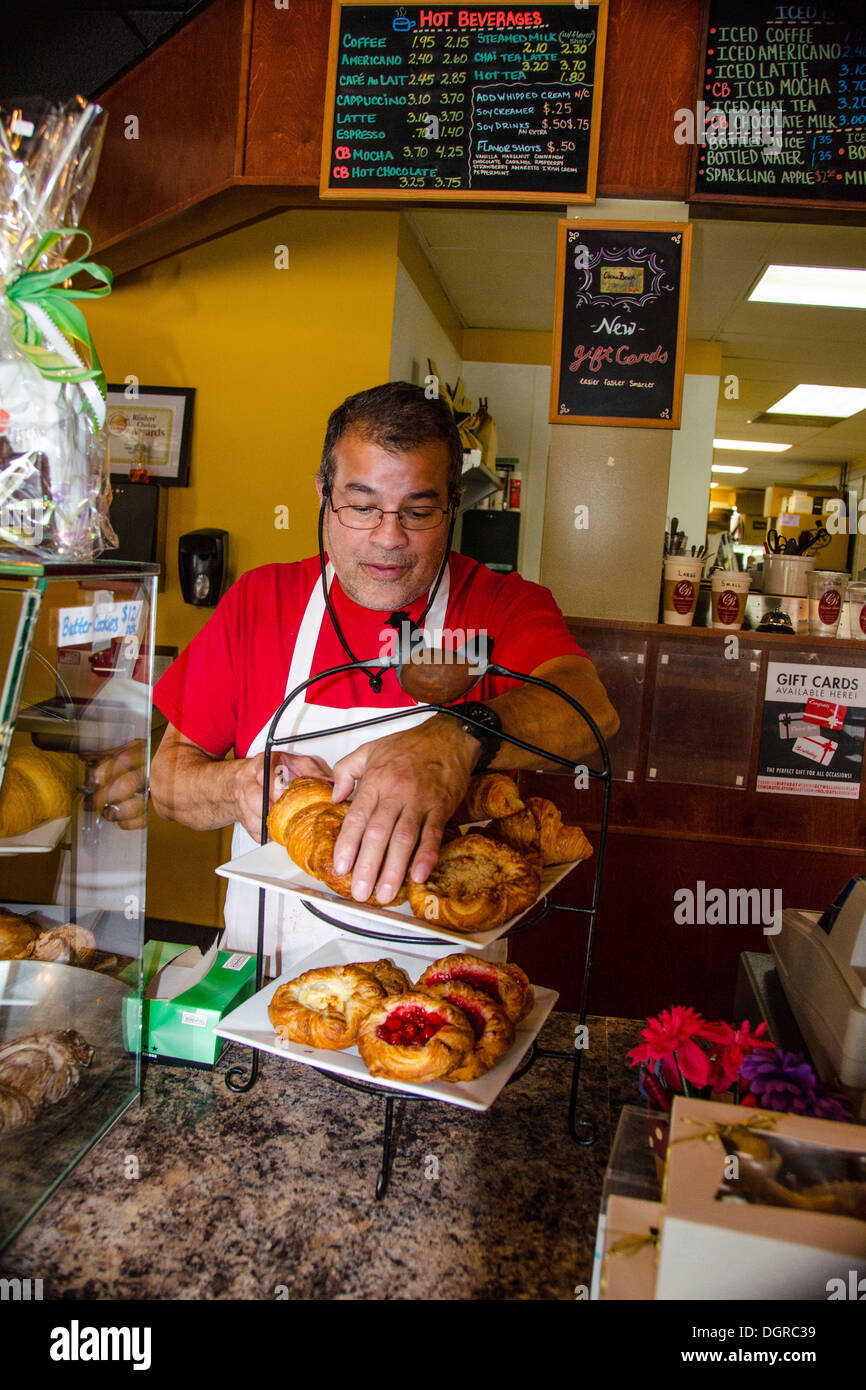 The Cocoa Bean is a popular bakery in Geneva, Illinois, a town along the Lincoln Highway. IL - Stock Image